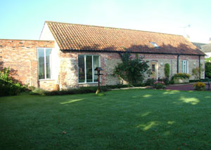 Hall Farm Gardens, Gainsborough, Lincolnshire - The Old Stables Holiday Cottage